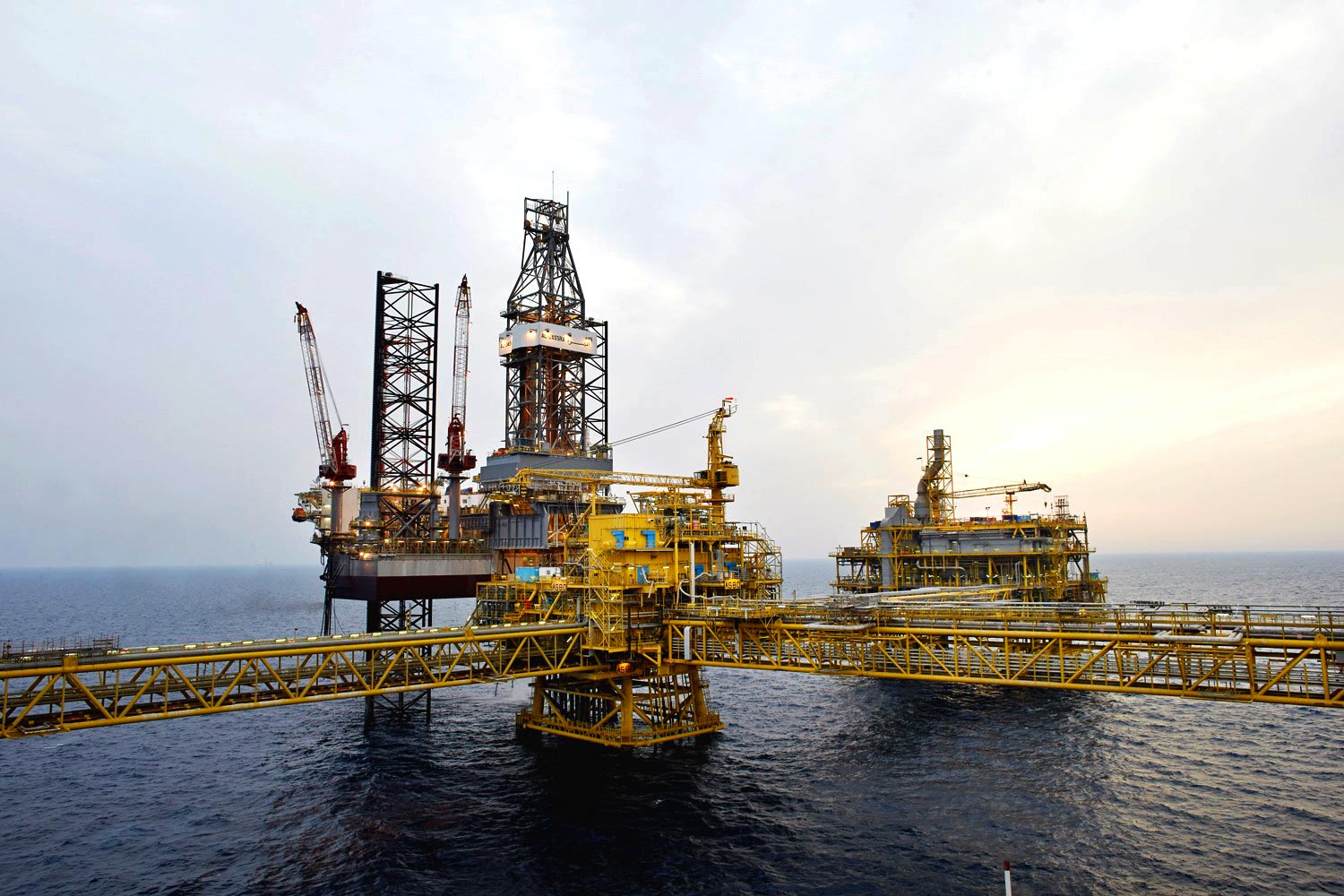 HPHT Offshore Oil Rig